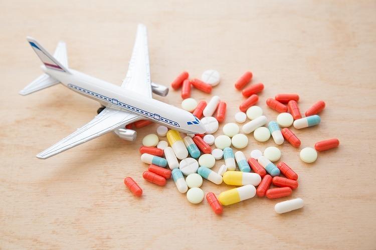 8 loại thuốc nhất định nên mang theo khi đi du lịch - Hapacol